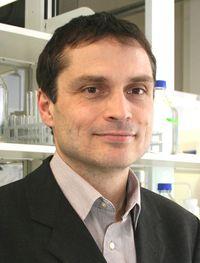 Dr. Peter Schierack tritt Stiftungsprofessur Multiparameterdiagnostik an und leitet InnoProfile-Transfer-Projekt mit Förderung des Bundes